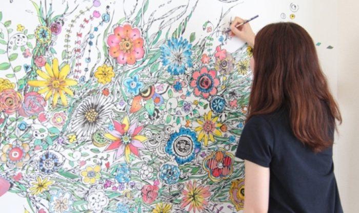 大人気大人の塗り絵が貼ってはがせる壁紙に塗り絵壁紙