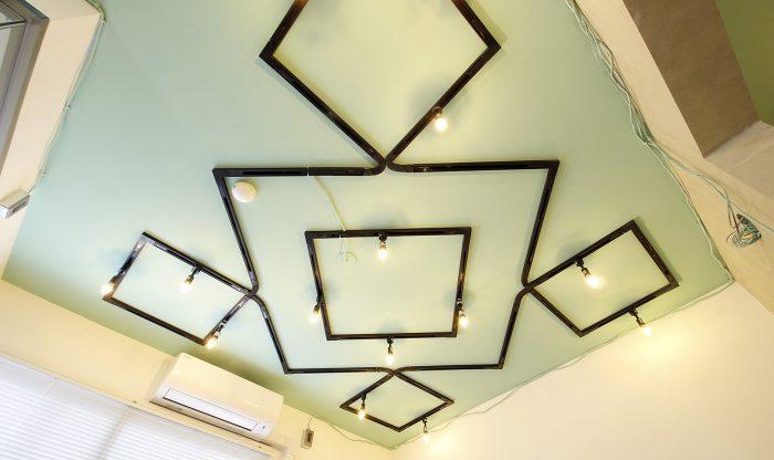 ビッグバーンズマンション北郷ⅢA 102号室 リビング照明