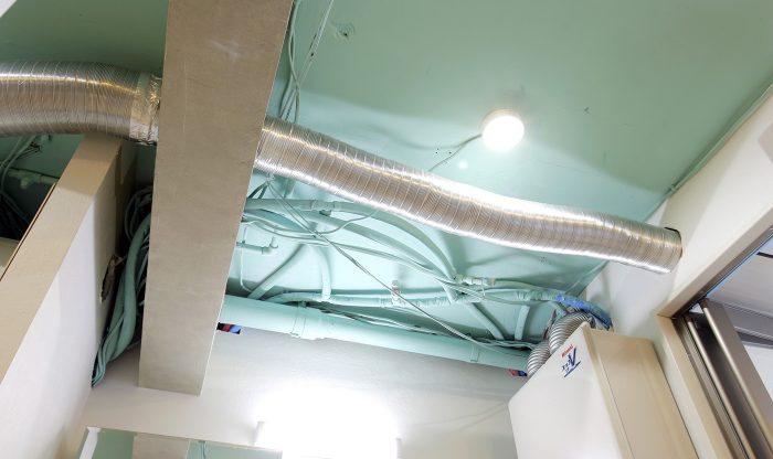 ビッグバーンズマンション北郷ⅢA 102号室 天井デザイン