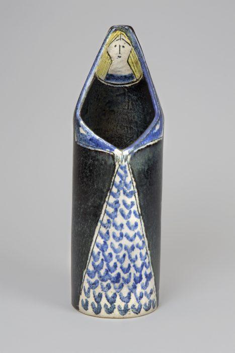 《花器》 1955年 陶器 ろくろ成形 © Lisa Larson/Alvaro Campo